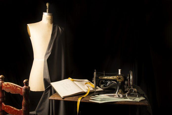 Jak zostać projektantem mody?