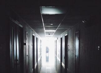 Dźwigi osobowe na wyposażeniu szpitali